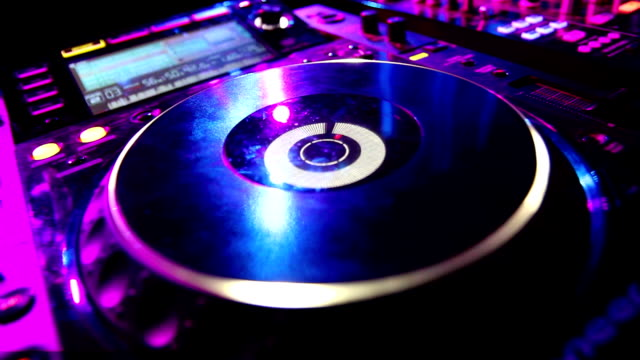 cd player in nightclub - compact disc player stock videos & royalty-free footage