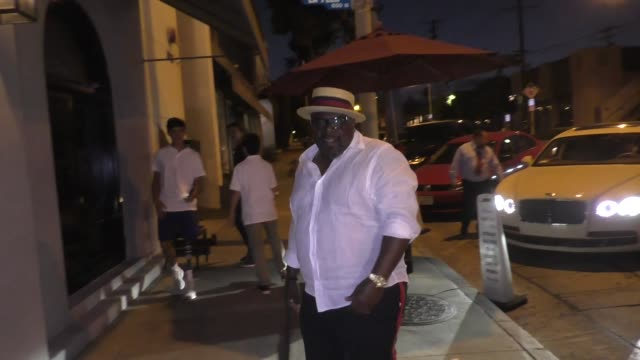 Cedric The Entertainer arrives for dinner at Craig's in West Hollywood in Celebrity Sightings in Los Angeles