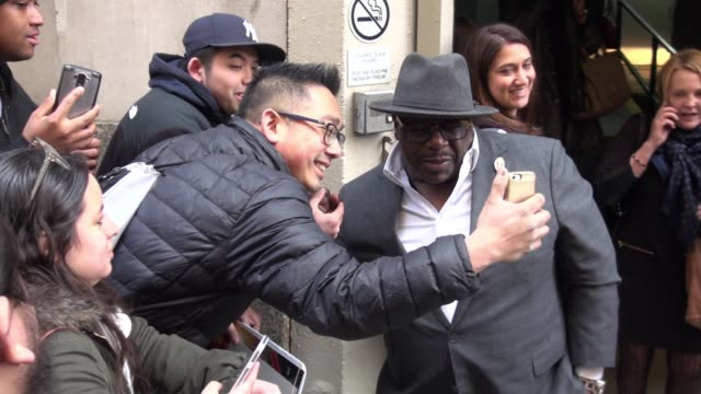 Cedric the Entertainer at The Huffington Post poses for photos in New York City in Celebrity Sightings in New York