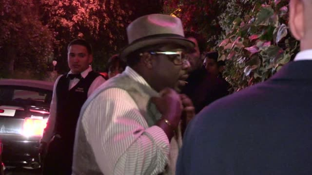 Cedric the Entertainer greets fans at Chateau Marmont in West Hollywood 05/11/12
