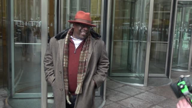 Cedric the Entertainer leaving SiriusXM Satellite Radio poses for photos with fans in Celebrity Sightings in New York
