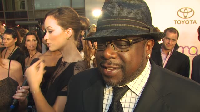 Cedric the Entertainer on driving big cars vs recycling on being here at the 2009 Environmental Media Awards at Los Angeles CA