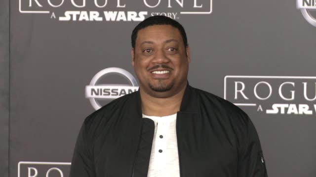"""vídeos de stock, filmes e b-roll de cedric yarbrough at """"rogue one: a star wars story"""" world premiere at the pantages theatre on december 10, 2016 in hollywood, california. - série de filmes star wars"""
