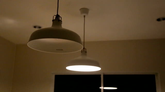 lampade a soffitto. - electric lamp video stock e b–roll