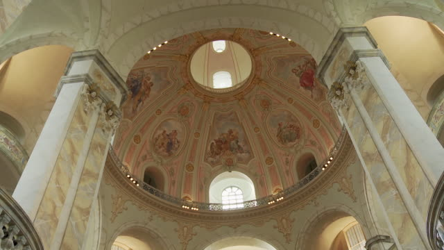 ms td ceiling of frauenkirche / dresden, germany - dresden frauenkirche stock videos & royalty-free footage