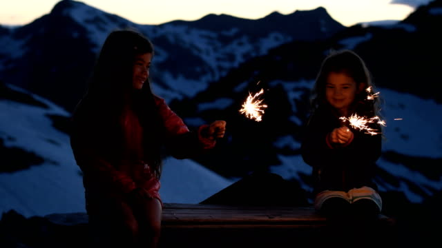 celebrating a life in the mountains - 6 7 anni video stock e b–roll