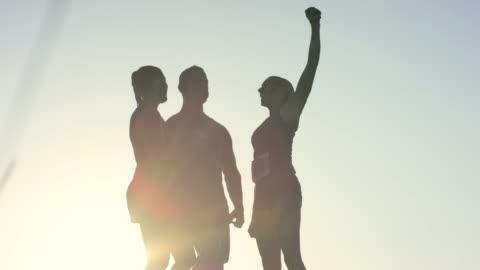 stockvideo's en b-roll-footage met een overwinning vieren - tegenspoed