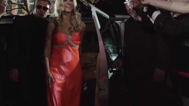 ws ha celebrities arriving at red carpet event entrance / provo,utah,usa - provo bildbanksvideor och videomaterial från bakom kulisserna