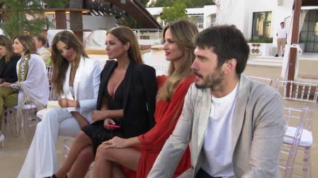 celebrities at the front row of calzedonia´s fashion show in ibiza - クララ・アロンソ点の映像素材/bロール