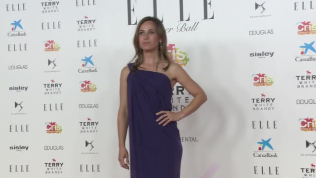 "celebrities attend ""elle cancer ball"" charity event in madrid - アリアドネ アルティレス点の映像素材/bロール"