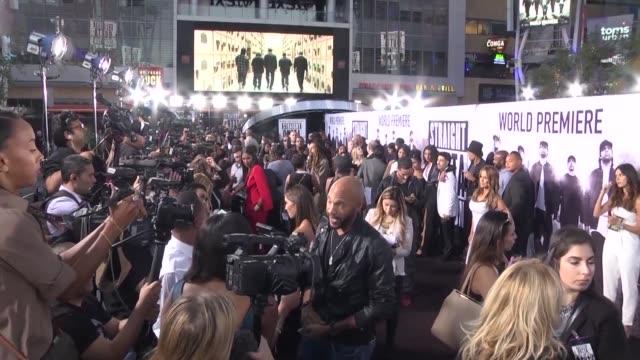 vídeos de stock e filmes b-roll de celebrities attend the world premiere of straight outta compton a film about californian rap band n.w.a - xzibit