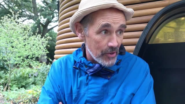 celebrities including actor sir mark rylance joined the extinction rebellion protests as groups of demonstrators shut down roads around parliament... - mark rylance stock-videos und b-roll-filmmaterial