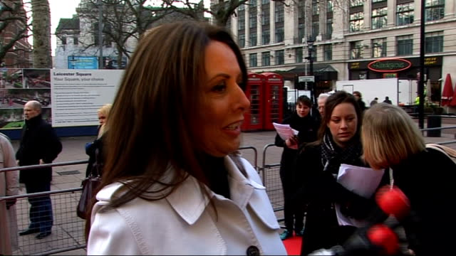 vídeos y material grabado en eventos de stock de celebrities launch 2009 comic relief carol vorderman interview on red carpet sot - carol vorderman