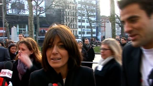 celebrities launch 2009 comic relief claudia winkleman and steve jones interview sot - claudia winkleman stock-videos und b-roll-filmmaterial