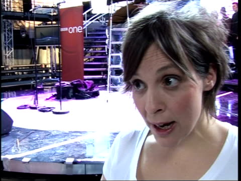vídeos de stock e filmes b-roll de 'celebrity fame academy' contestants' interviews mel giedroyc interview sot on hoping she gets through first night / on using event as luxurious... - mel giedroyc