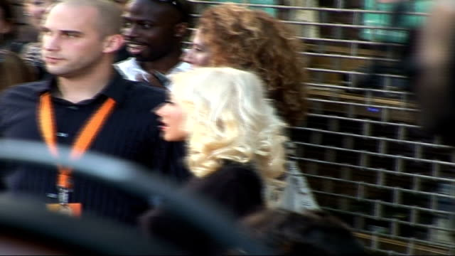 Celebrity red carpet arrivals / interviews **BEWARE Christina Aguilera posing for press