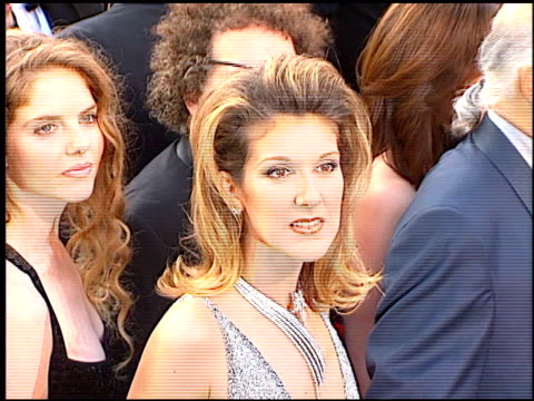 vídeos y material grabado en eventos de stock de celine dion at the 1997 academy awards arrivals at the shrine auditorium in los angeles california on march 24 1997 - 1997