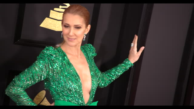 celine dion at the 59th annual grammy awards - arrivals at staples center on february 12, 2017 in los angeles, california. 4k available - contact... - セリーヌ・ディオン点の映像素材/bロール
