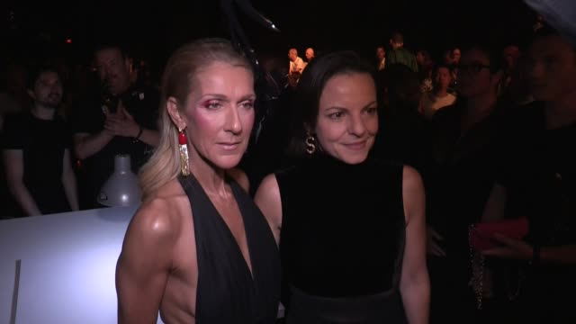 vidéos et rushes de celine dion front row at schiaparelli fall winter 2020 haute couture fashion show in paris paris, france on monday july 1, 2019 - fashion show