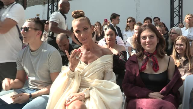 vidéos et rushes de celine dion front row for the alexandre vauthier couture fall winter 2019 fashion show in paris tuesday, july 2nd, 2019. paris, france - fashion show