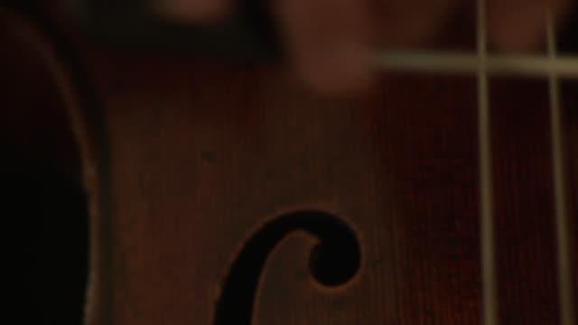 CU TU PAN Cellist playing cello / Berlin, Germany
