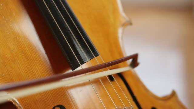 vidéos et rushes de violoncelle fait le meilleur de la musique - musicien