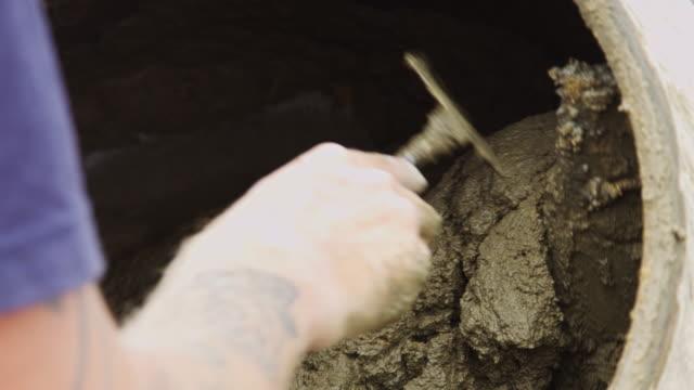 vídeos y material grabado en eventos de stock de mezclador de cemento torneado - cement mixer