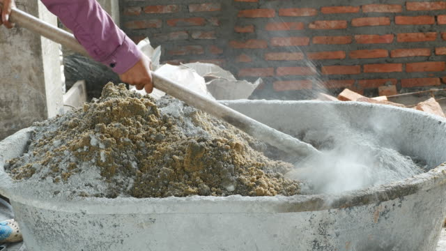 Cement mixing in tray