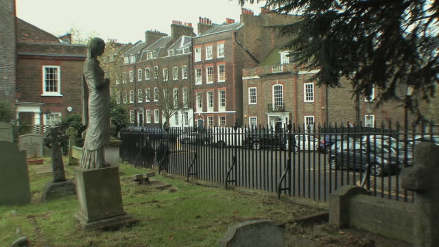 ws cemetery facing elegant mansions in hampstead / london, uk. - elegance stock videos & royalty-free footage