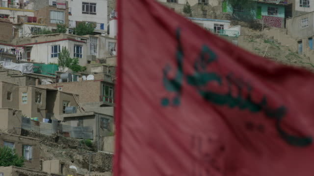 cemetery flags in kabul - kabul stock-videos und b-roll-filmmaterial