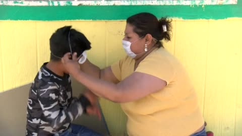 vídeos y material grabado en eventos de stock de central american migrants stranded at the mexico-us border put in place preventative covid-19 measures as they put their dreams on hold at a shelter... - hispanoamérica