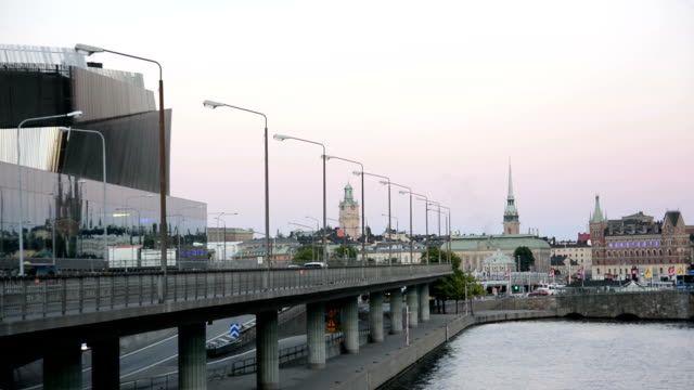 stockvideo's en b-roll-footage met centrale brug in stockholm - waterkant