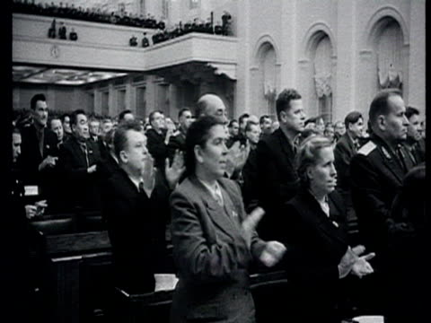 stockvideo's en b-roll-footage met central committee before thaw , joined session of the soviet of the union and of the soviet of nationalities party and government leaders enter the... - aan elkaar bevestigd