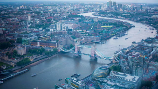 central london zeit verfallen luftbild - fluss themse stock-videos und b-roll-filmmaterial