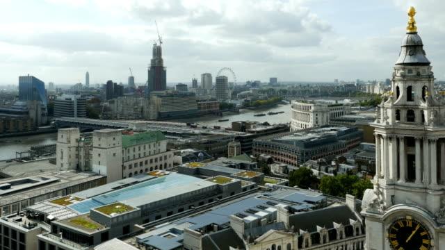 vídeos de stock, filmes e b-roll de centro de londres visto do st paul's cathedral (4 km/uhd para hd) - prefeitura