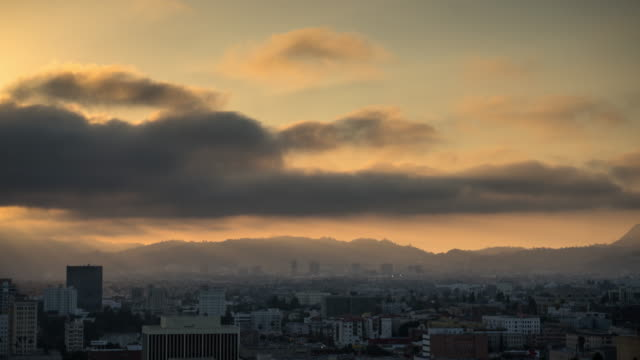 vídeos de stock, filmes e b-roll de centro de los angeles cityscape - dtla para hollywood - hollywood califórnia
