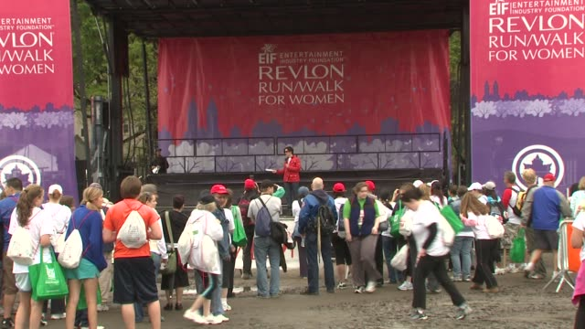 central park at the 12th annual eif revlon run/walk for women in new york city at new york ny. - レブロン点の映像素材/bロール