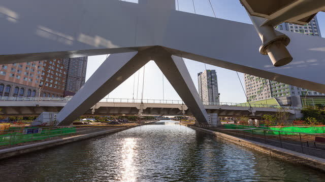 central park in songdo international business district / yeonsu-gu, incheon, south korea - cable stayed bridge stock videos & royalty-free footage