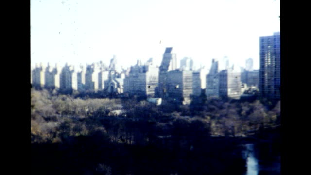 stockvideo's en b-roll-footage met central park, new york city 1977 - 1977