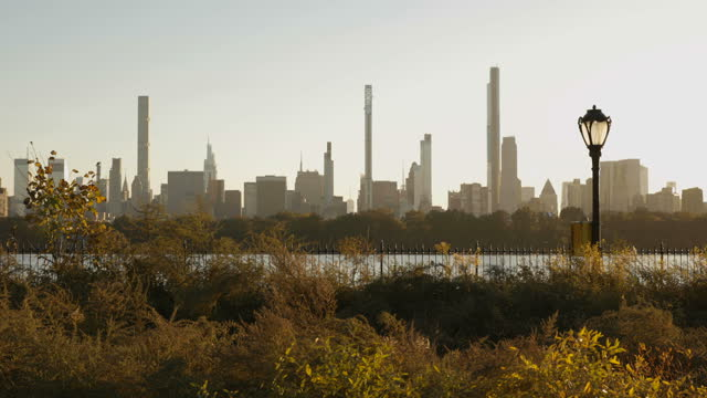 central park reservoir - real time footage stock videos & royalty-free footage