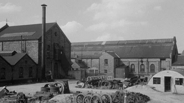 vidéos et rushes de 1954 montage central repair workshops where large maintenance jobs take place / united kingdom - 1954