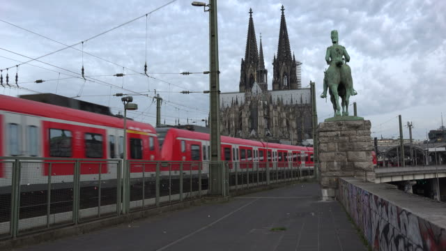 Central Station and Cologne Cathedral, Cologne, North Rhine Westphalia, Germany