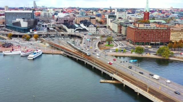stockvideo's en b-roll-footage met centrale stockholm highway en spoorbrug van bovenaf gezien - spoorlijn