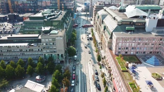 stockvideo's en b-roll-footage met centrum van stockholm van bovenaf gezien, hamngatan, kungstradgarden - stockholm