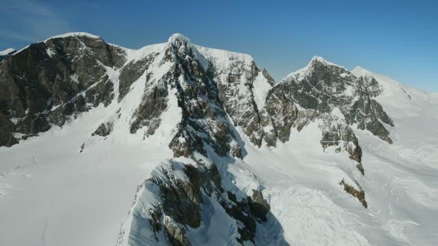 cerro azul mountain in patagonia - azul stock-videos und b-roll-filmmaterial
