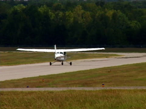Cessna 172 Taxiing