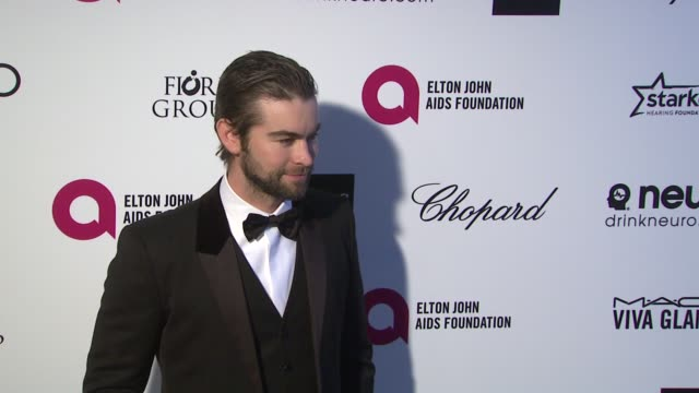 vídeos de stock, filmes e b-roll de chace crawford at 23rd annual elton john aids foundation academy awards viewing party sponsored by chopard neuro drinks and wells fargo on february... - festa do oscar