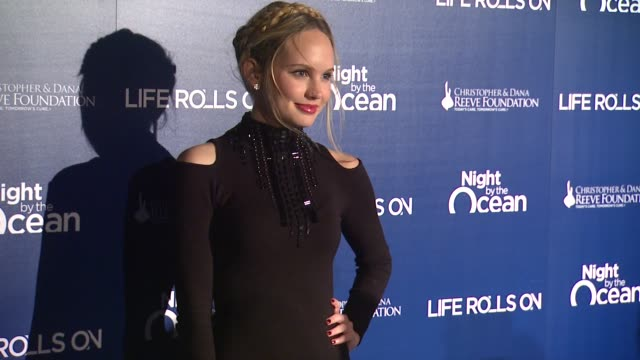 chad lowe and kim painter at the life rolls on foundation's 9th annual 'night by the ocean' on in marina del ray, ca. - chad lowe stock videos & royalty-free footage