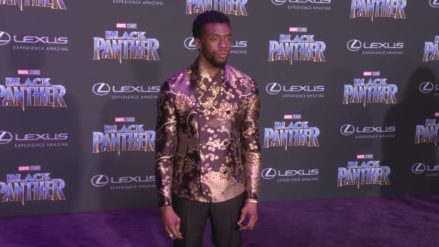 vídeos de stock, filmes e b-roll de chadwick boseman at the marvel studios' black panther world premiere at dolby theatre on january 29 2018 in hollywood california - estreia