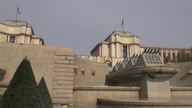 chaillot palace in paris - french flag stock videos & royalty-free footage